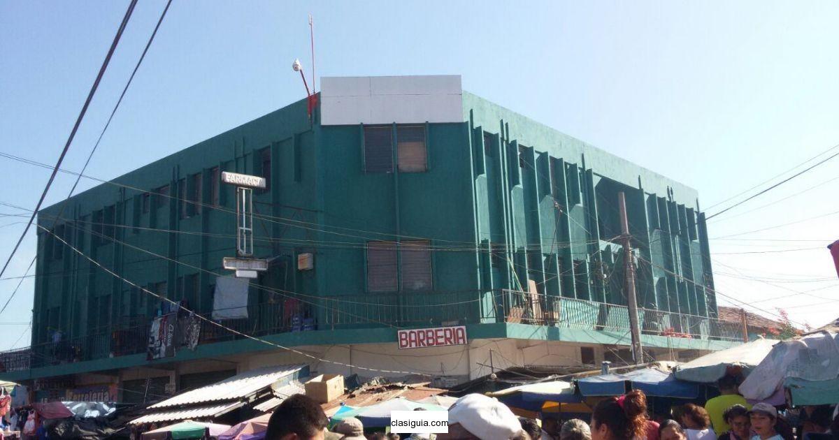 Vendo edificio comercial zona terminal de buses Lara Pineda en Santa Ana