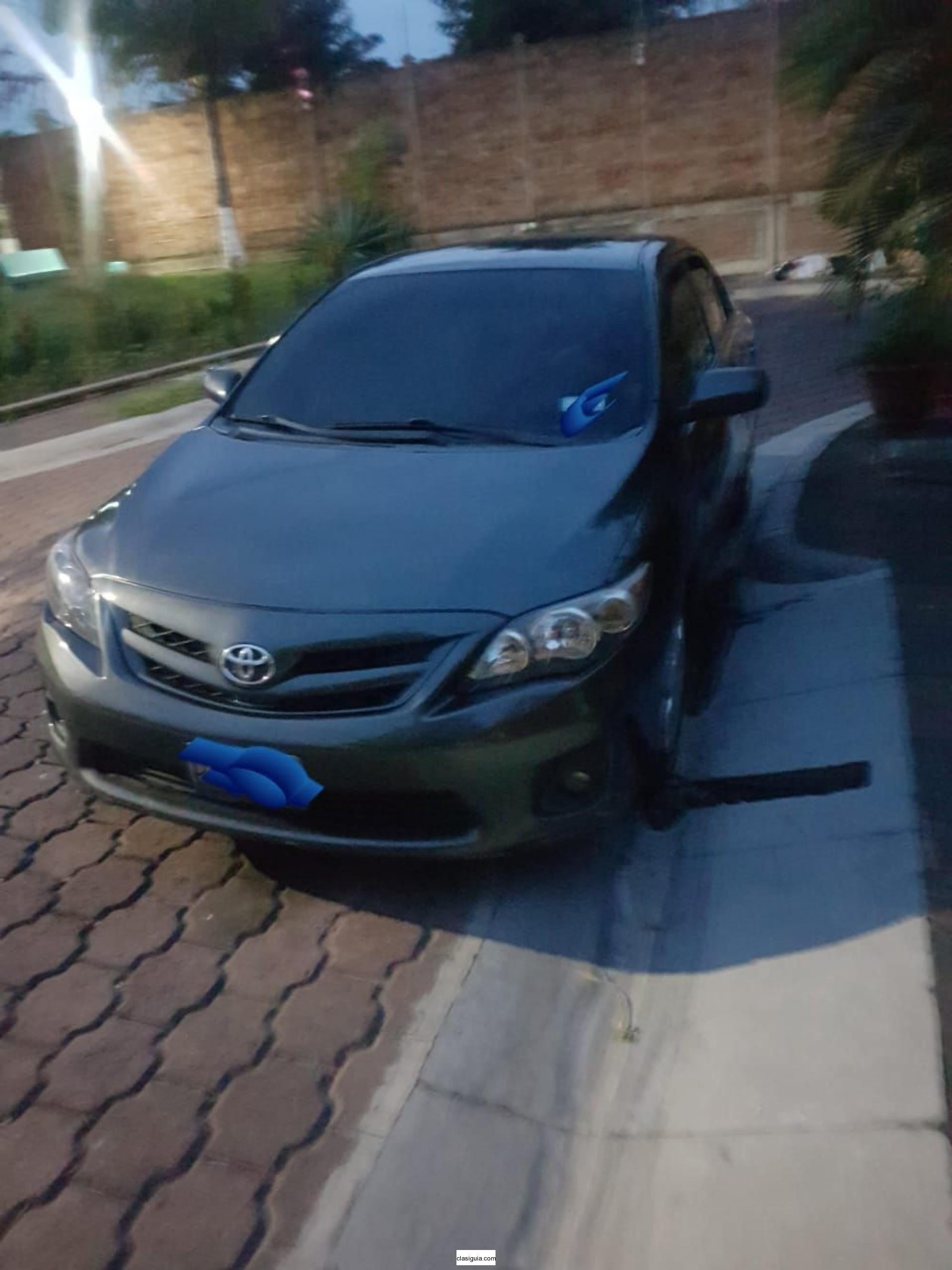 Toyota Corolla LE Año 2011
