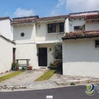 Se vende casa en Residencial Privada en Santa Elena