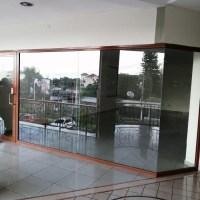 Alquilo local de 100 m2 sobre Calle La Mascota