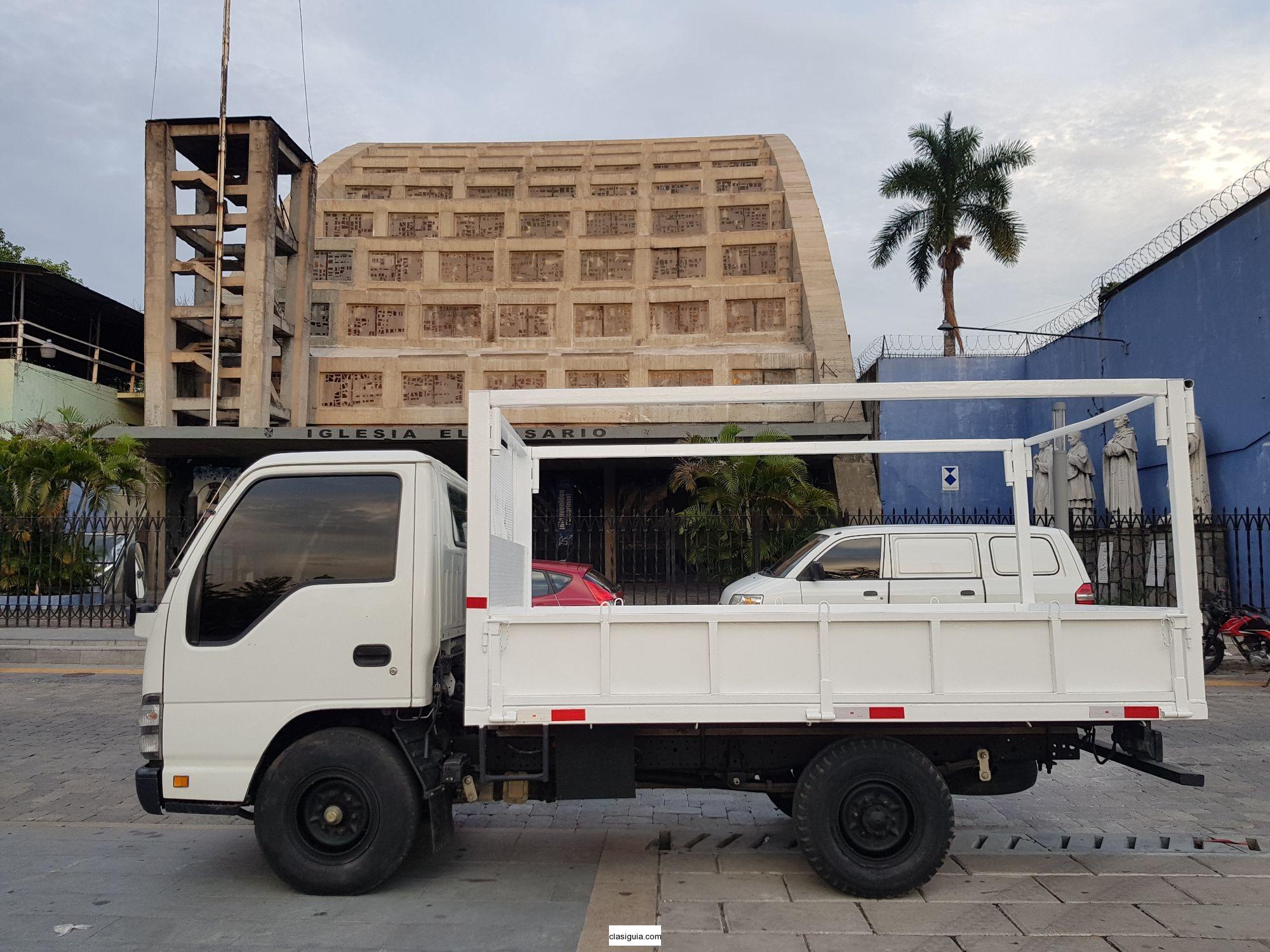 Isuzu QKR - año 2014 de agencia - 2.5 Ton