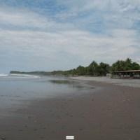 Vendo terreno plano frente a playa Conchalio, La Libertad