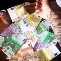 Oferta de préstamo de dinero entre particulares.