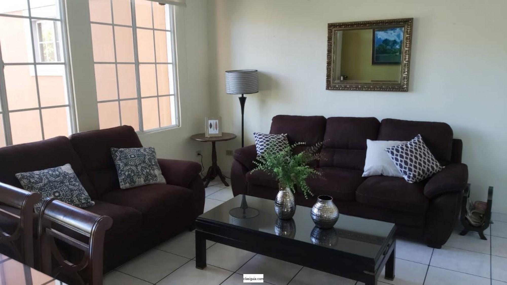 ALQUILO APARTAMENTO BOSQUES DE SAN BENITO, AMUEBLADO, sala, comedor, cocina con pantries, 3 habitaciones