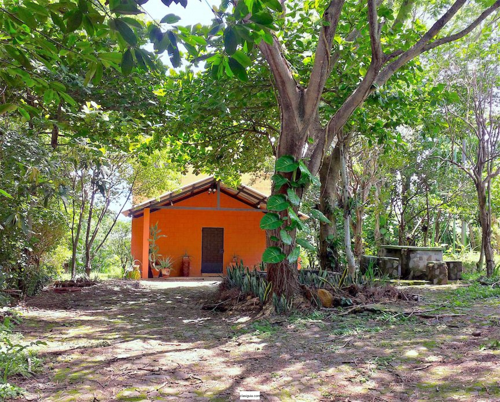 Quinta de campo, con cómoda casa en Caluco, Sonsonate