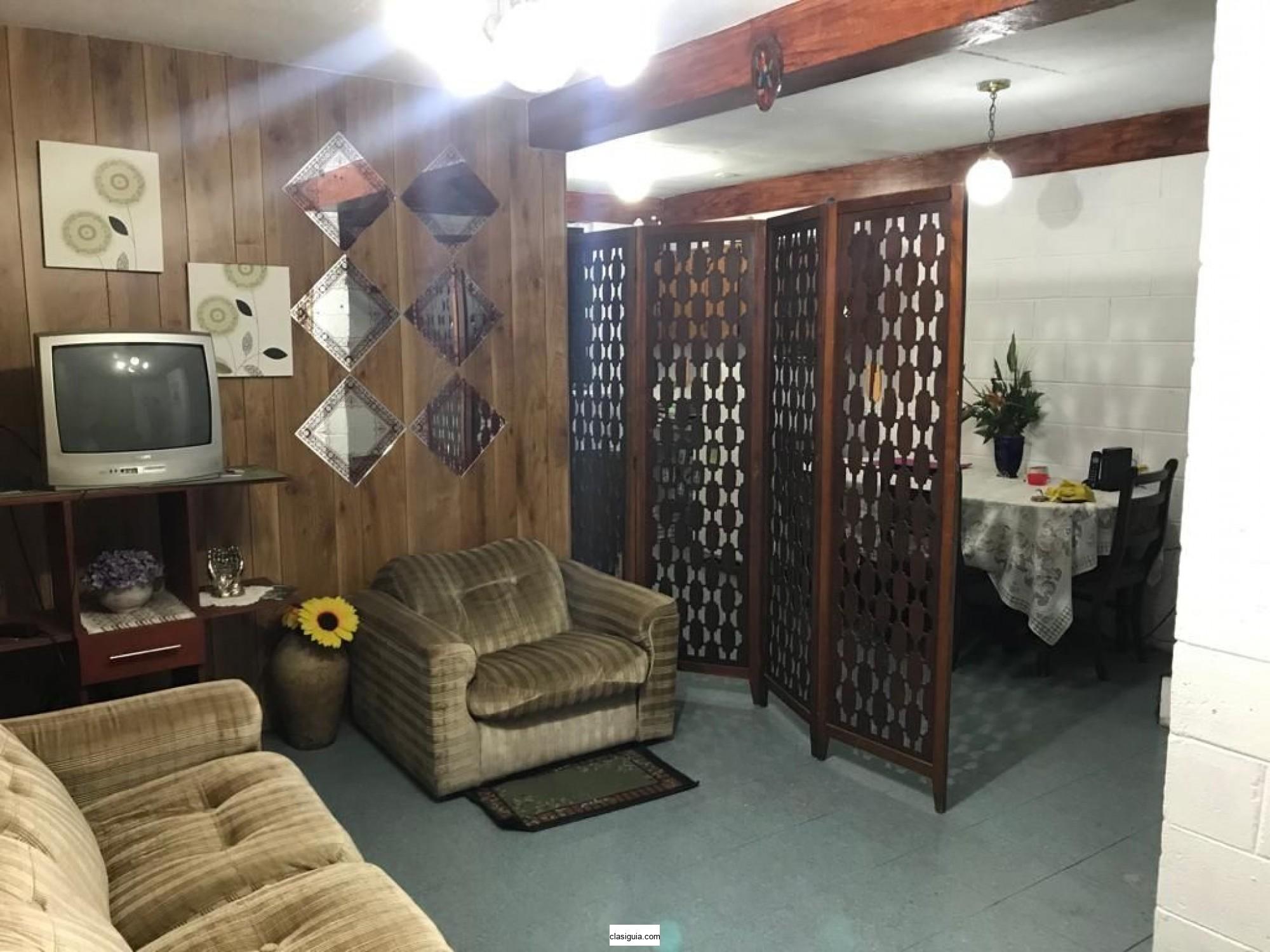 Se alquila Casa en Santa Tecla