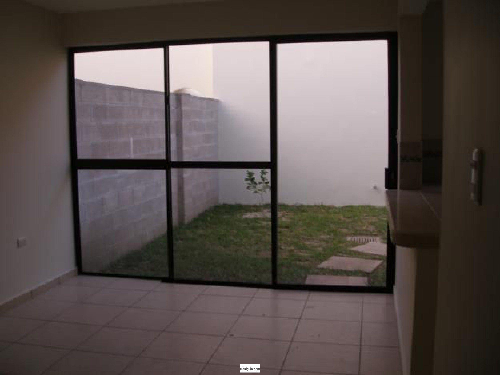 SE VENDE CASA RESIDENCIAL VERANDA, SANTA TECLA, PRIVADA, Área de 133.93 mts2 de construccion
