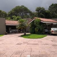 SE VENDE CASA RESIDENCIAL ALTOS DE LA CIMA, CASA GRANDE, PRIVADO, CON VISTA A LA CIUDAD, TIENE DE TERRENO 6,000 v2 y de CONSTRUCCION 750 mts2