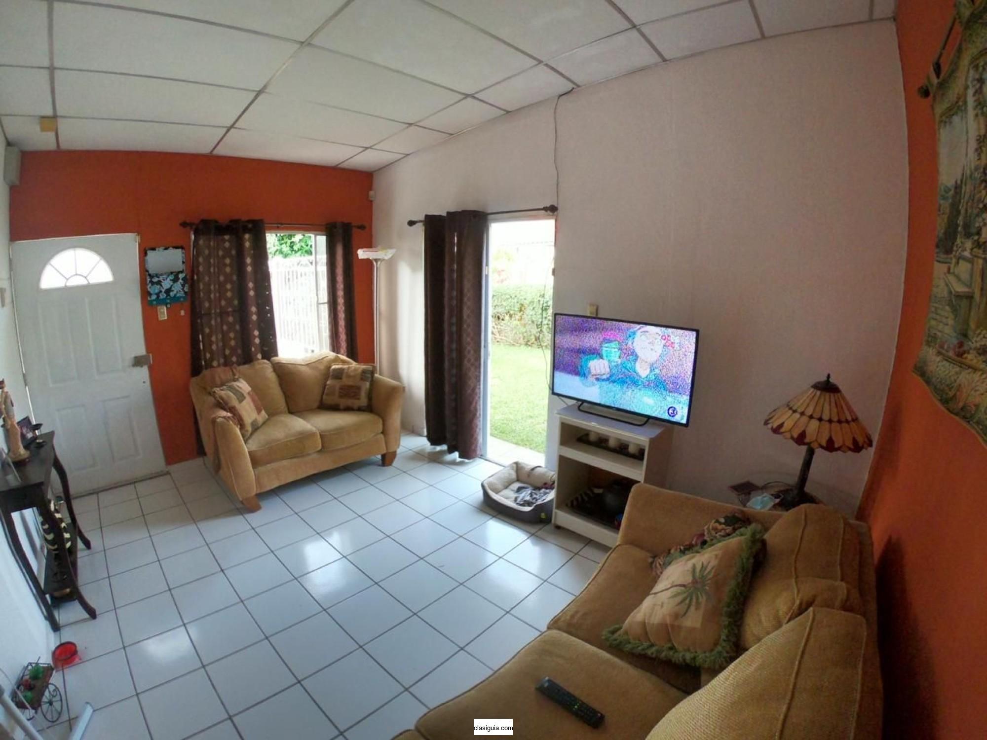 Vendo casa en privado Resid. Sevilla 1, Ciudad Real, Santa Ana
