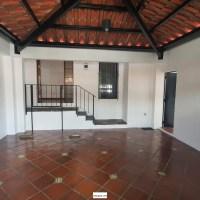 SE VENDE CASA RESIDENCIAL MADRESELVA SANTA ELENA, PRIVADO, REMODELADA, tiene 225v2 de terreno