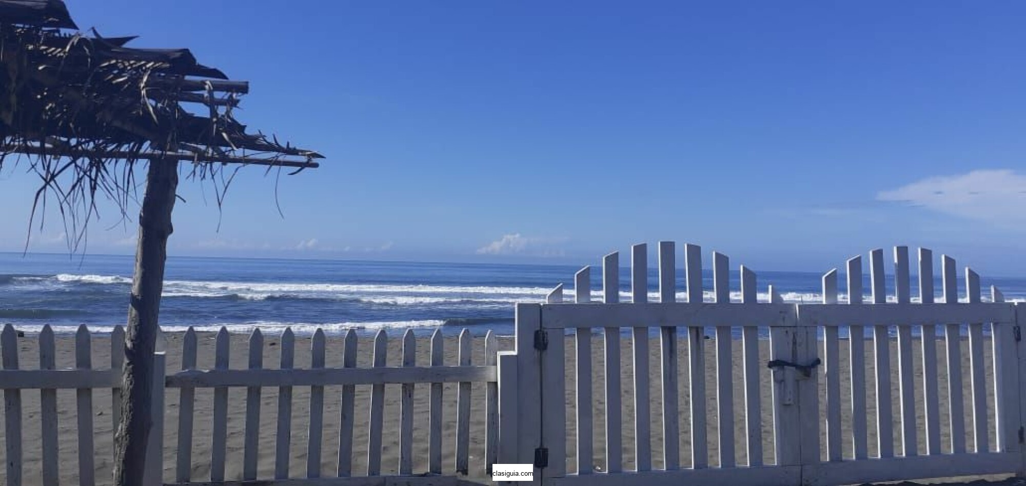Garita Palmera orilla playa zona comercial rancho 5,472 v2