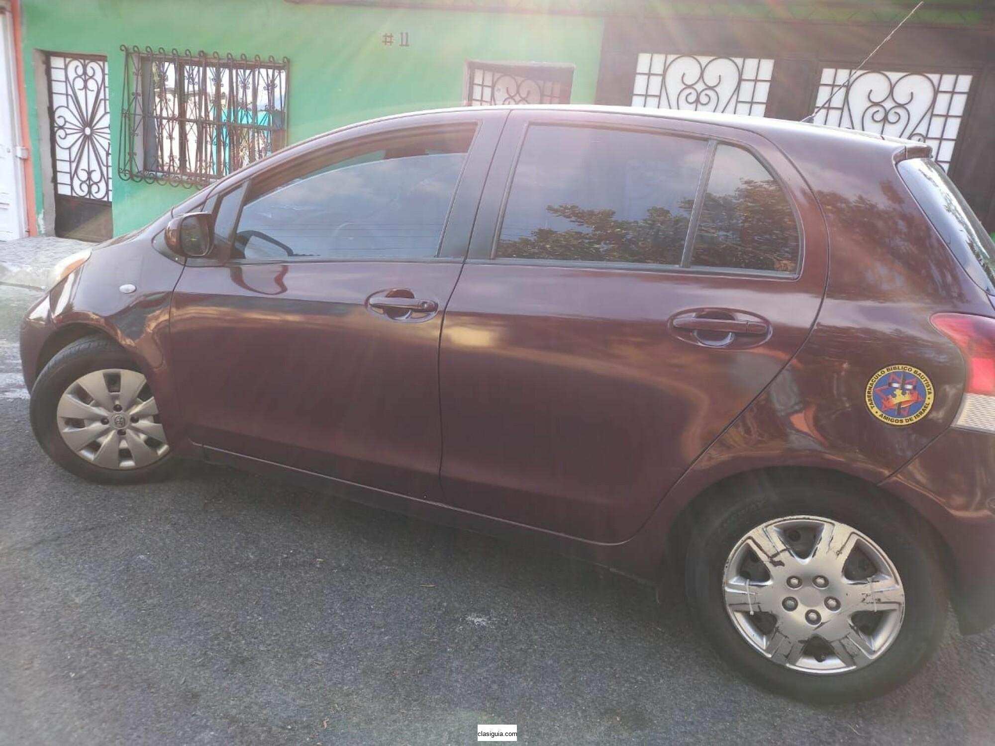 Toyota Yaris 2010 4 Puertas Bien Cuidado A Toda Prueba