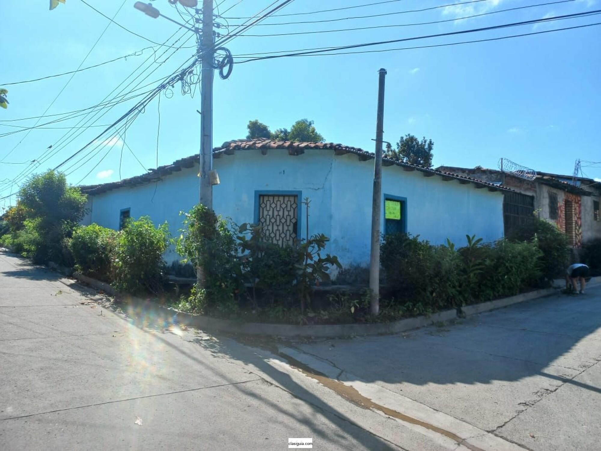 casa de esquina en quezaltepeque