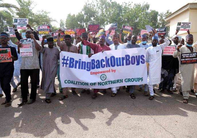 More than 300 kidnapped students in Nigeria have been released and will meet with the President.