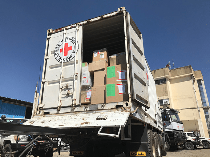 The Prime Minister of the Sudan went to Ethiopia to mediate the Tigray crisis, and the first batch of international relief supplies arrived in the theater.