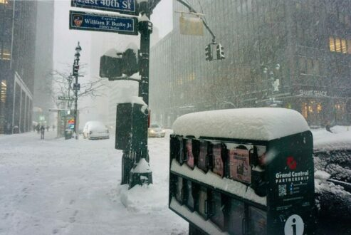 The midwestern part of the United States was hit by a blizzard to lay the groundwork for extremely cold weather.