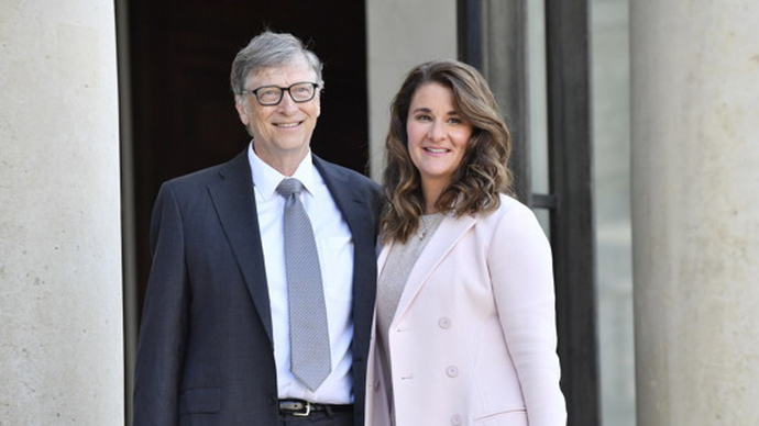 Why did Gates quit Microsoft's board of directors come to light? Having an improper relationship with a female subordinate, being investigated...
