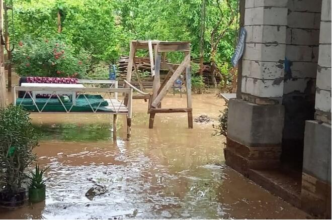 Mudslides in Uzbekistan have killed two children and destroyed hundreds of homes