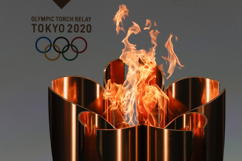 """The Tokyo Olympic torch is carried """"behind closed doors"""" in Hiroshima"""