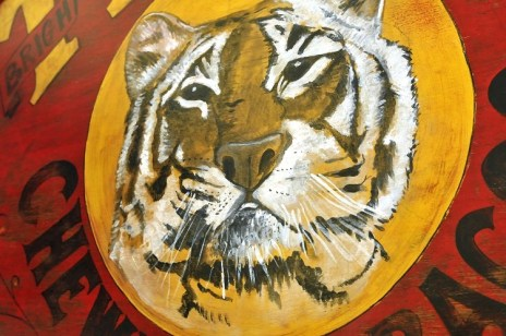 Old tiger chewing tobacco advertising