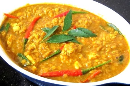 (16). Curry Lentils with chicken Recipe