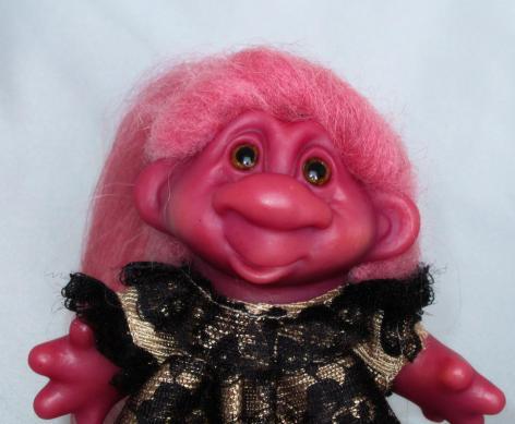 Dam Purple Troll Lady -trollsbyted