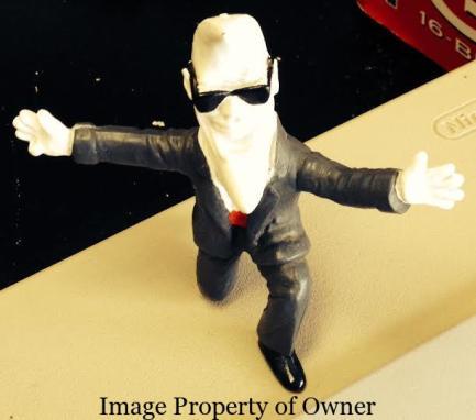 Mac Tonight figurine courtesy Too Groovy