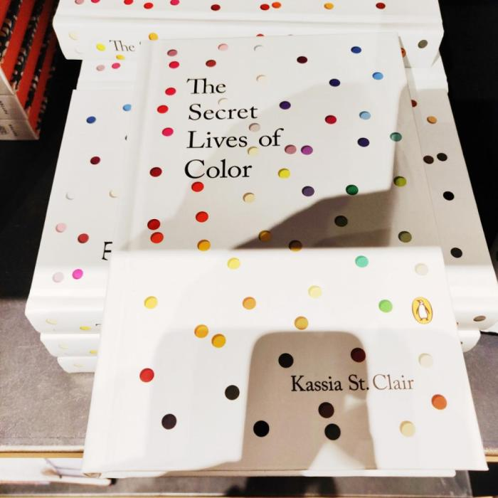 LIbro - The Secret Lives of Color