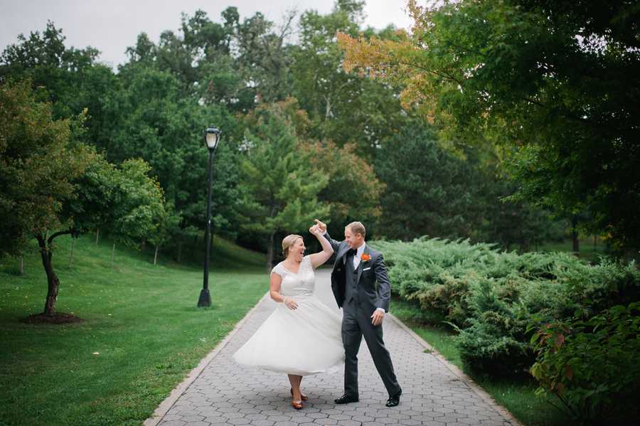 Lauren & Darrin: photo courtesy of Ayres Photography