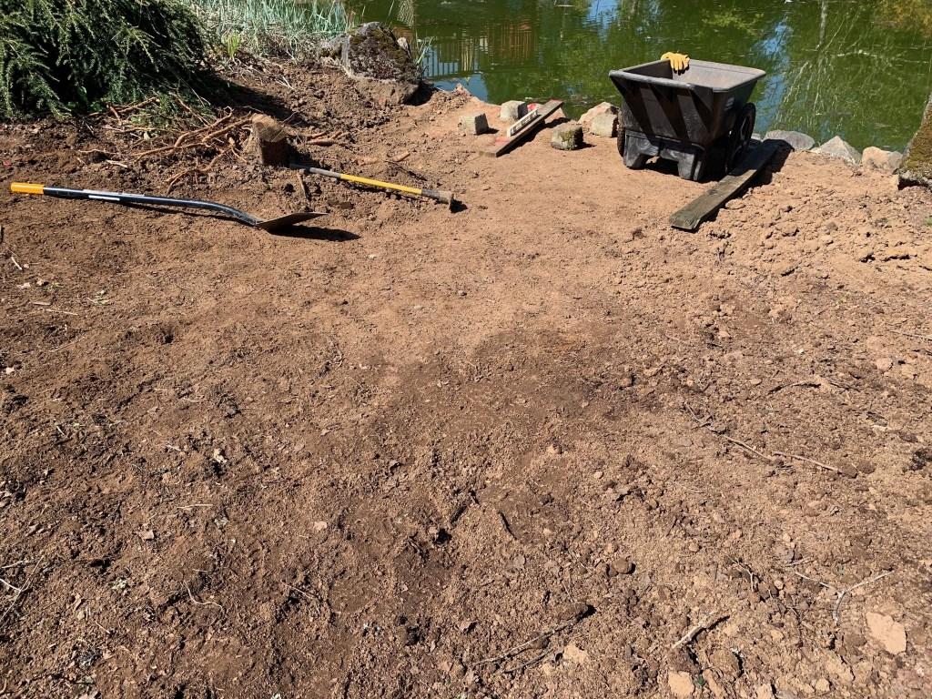 Contoured dirt