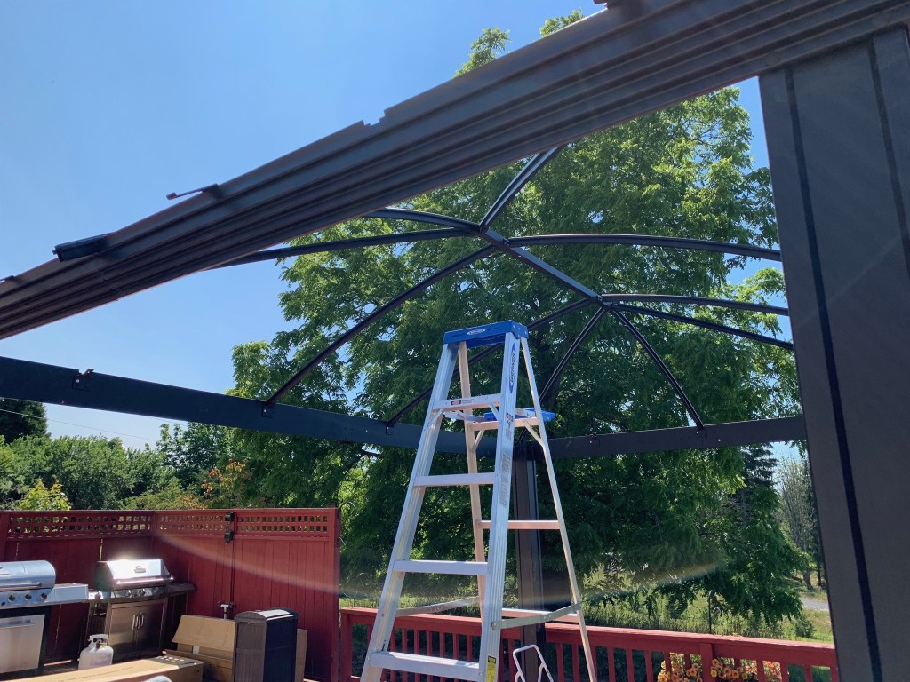 Assembling the roof beams