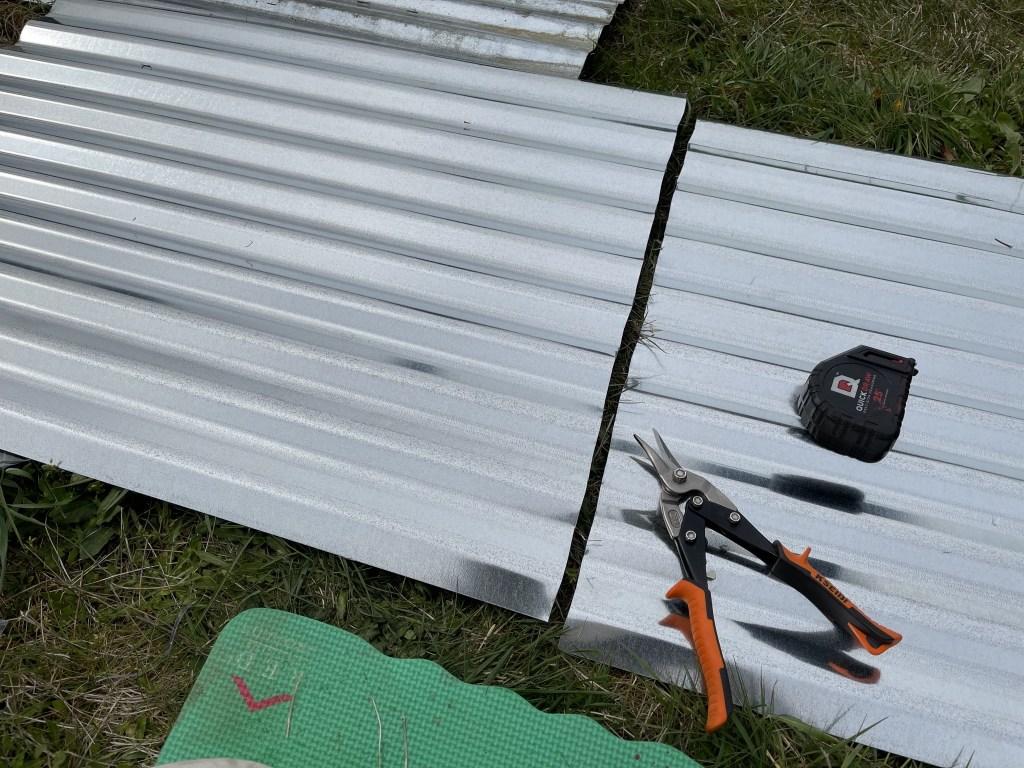 Cutting corrugated cladding