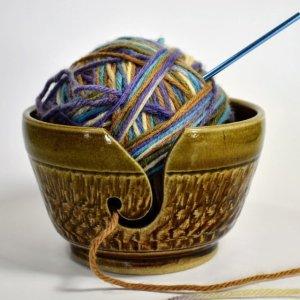 Yarn holder in Brown