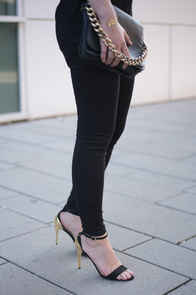 yellowgirl_Black_Gold_Outfit_6