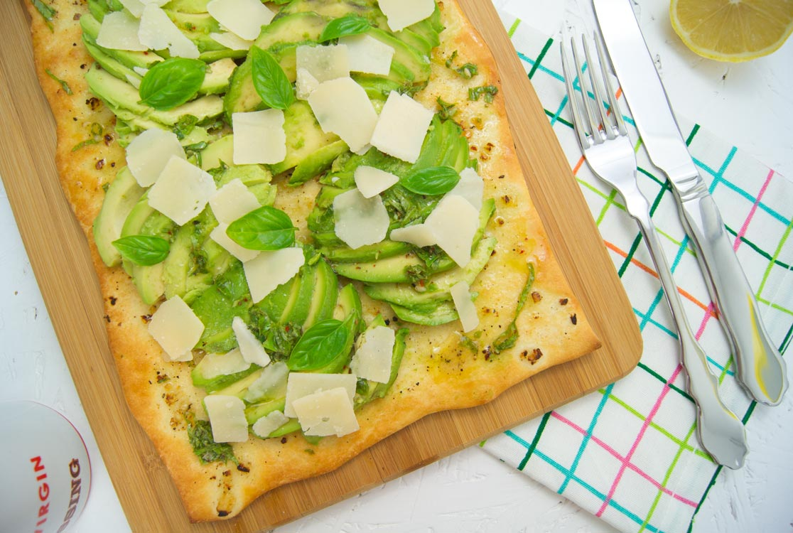 https://i1.wp.com/yellowgirl.at/wp-content/uploads/2017/06/yellowgirl_Rezept-Avocado-Pizza_1.jpg?fit=1116%2C750&ssl=1