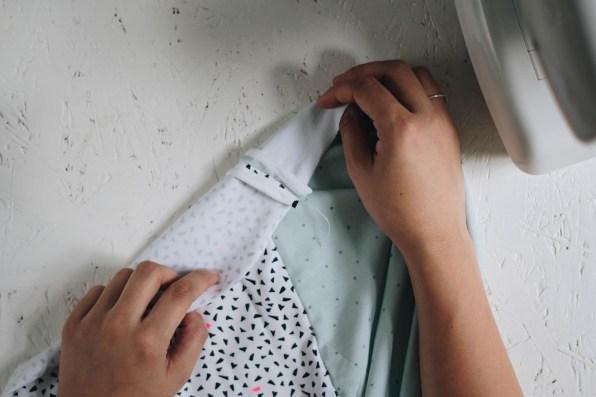 yellowgirl_DIY Decke aus Jersey-Stoffder Hygge Kollektion von Rico Design (4 von 8)