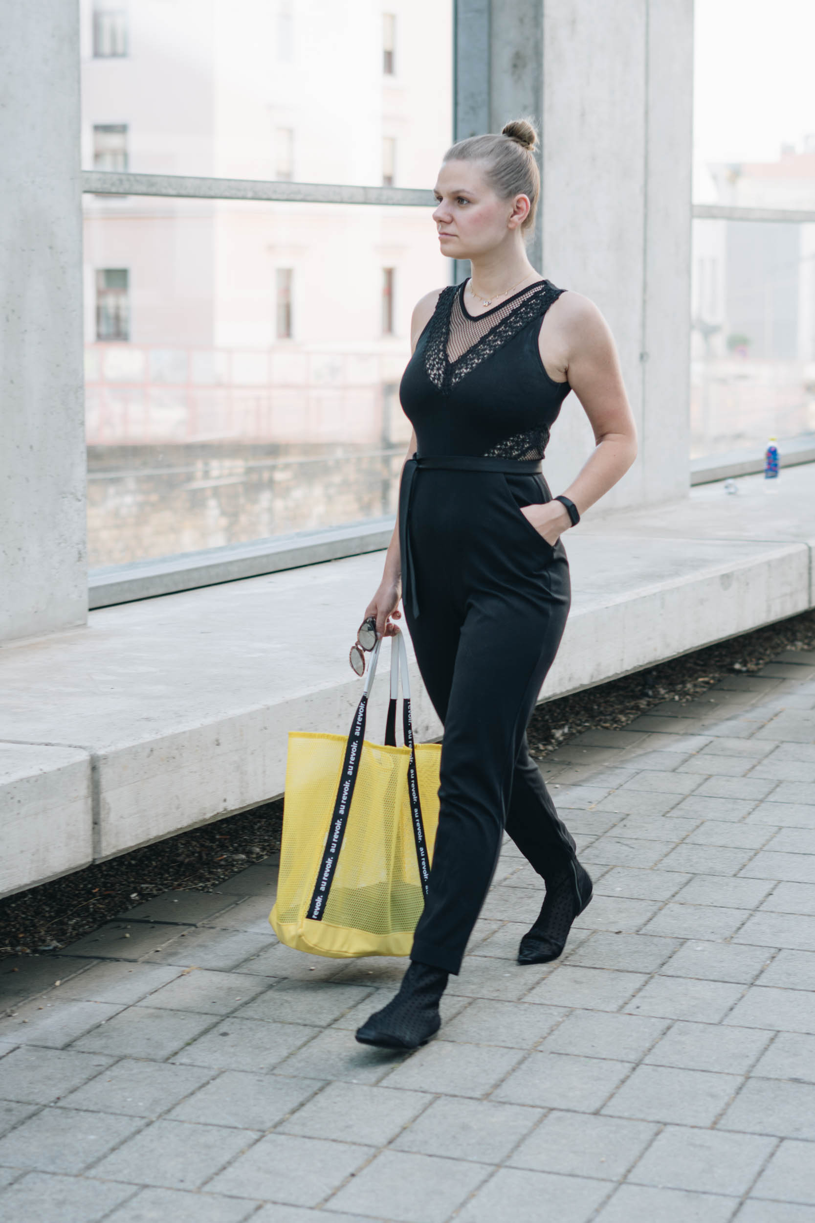 basicblack Outfit im French Connection Overall, Stradivarius