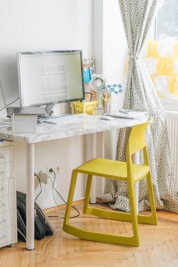 yellowgirl_Wohnzimmerupdate-Lampen-schreibtischsessel-flinders-vitra-bambus (2 von 13)