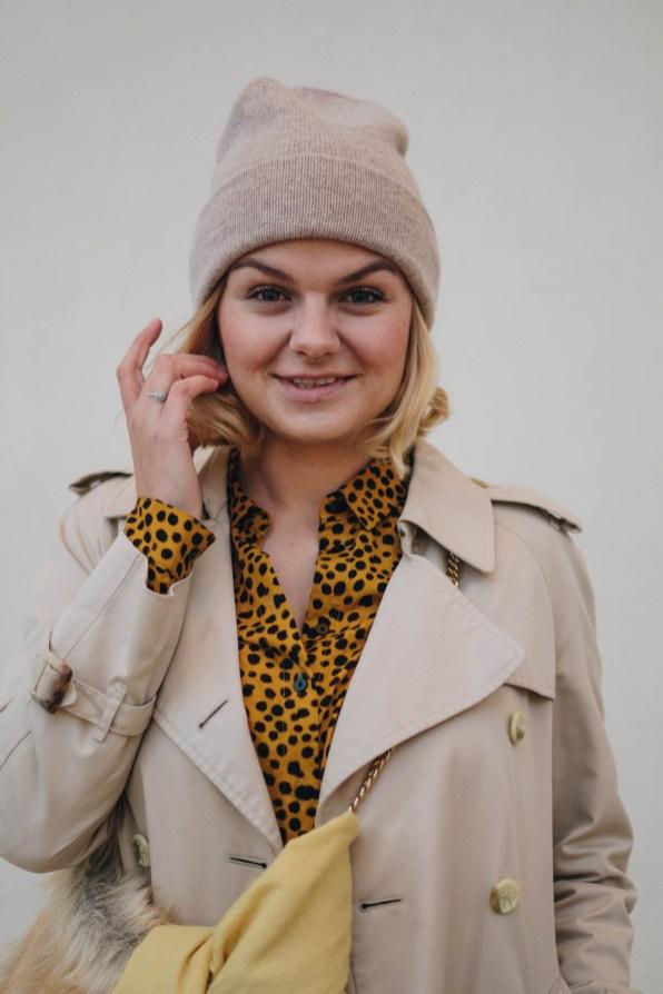 yellowgirl_Herbst-outfit-Animalprint-trenchcoat und Kaschmir haube von MOGLI & MARTINI (12 von 16)