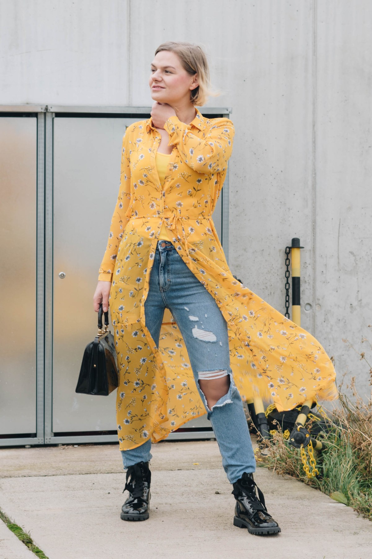 https://i1.wp.com/yellowgirl.at/wp-content/uploads/2019/01/yellowgirl_Valentinstagsoutfit-in-Blumenkleid-von-Only-Jeans-von-New-Look-Lack-Boots-und-Vintage-Lack-Handtasche-8-von-11.jpg?fit=1200%2C1800&ssl=1