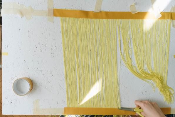 yellowgirl_DIY Fransen Lampenschirm (7 von 14)