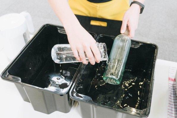 yellowgirl-DIY Ostertisch- Glasflaschen-Eierbecher (4 von 6)