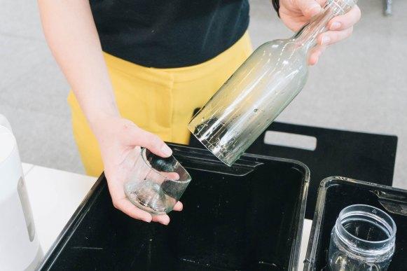 yellowgirl-DIY Ostertisch- Glasflaschen-Eierbecher (5 von 6)