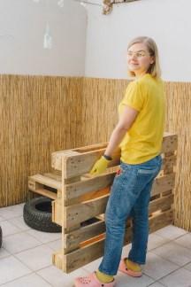 yellowgirl_Terrasse & Balkon- So baust du eine Couch aus Europaletten und alten Autoreifen! (5 von 10)