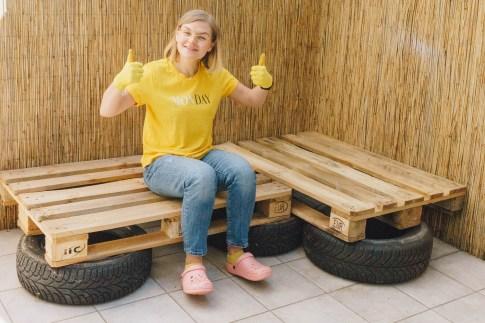 yellowgirl_Terrasse & Balkon- So baust du eine Couch aus Europaletten und alten Autoreifen! (6 von 10)