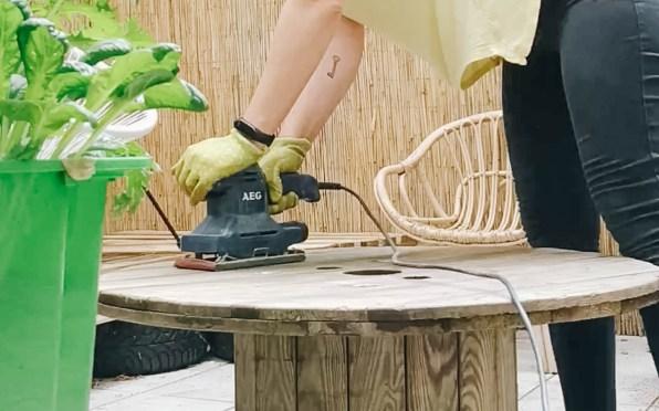 yellowgirl-Terrasse & Balkon- DIY Kabeltrommel Tisch (4 von 5)