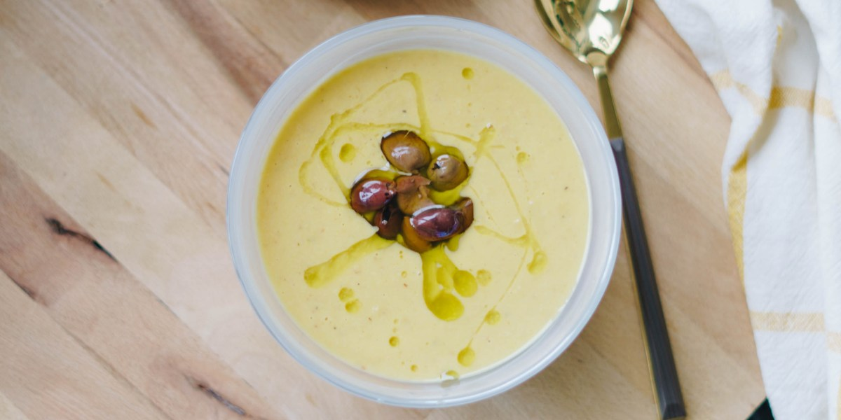 Butternusskürbis: Suppe mit Mais und Kalamato Oliven