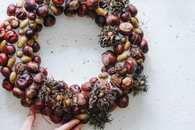 yellowgirl-Pastell Herbst-Türkranz- Kastanien und andere Schätze aus der Natur (7 von 7)