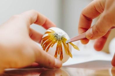 yellowgirl-DIY Ostereier-Trash terracotta-Trockenblumen-pampasgras (11 von 38)