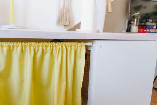 yellowgirl-Dachschrägen nutzen- DIY Vorhänge anstatt Türen (7 von 9)